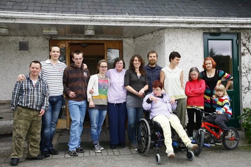 The Whole House Crew in Isserin House